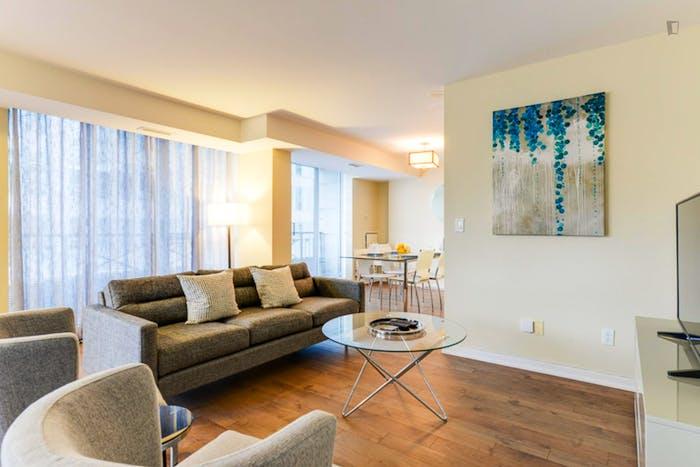 Wonderful 2-bedroom apartment in Toronto, near Osgoode subway station  - Gallery -  7