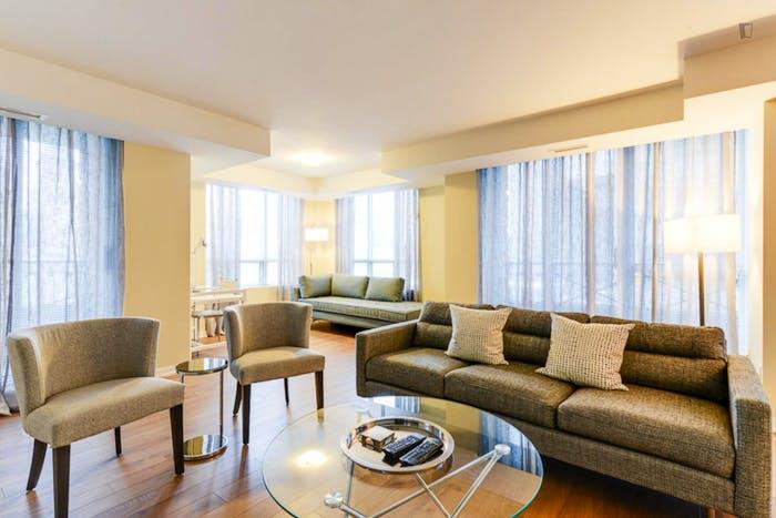 Wonderful 2-bedroom apartment in Toronto, near Osgoode subway station  - Gallery -  8