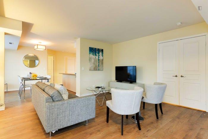 Wonderful 2-bedroom apartment in Toronto, near Osgoode subway station  - Gallery -  5
