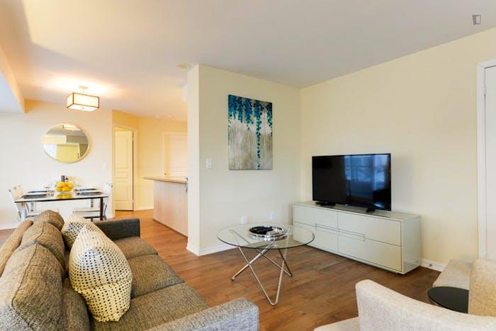 Wonderful 2-bedroom apartment in Toronto, near Osgoode subway station  - Gallery -  6