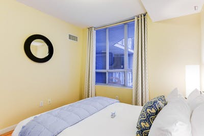 Super modern 1-bedroom apartment in Toronto near Osgoode subway station   - Gallery -  2