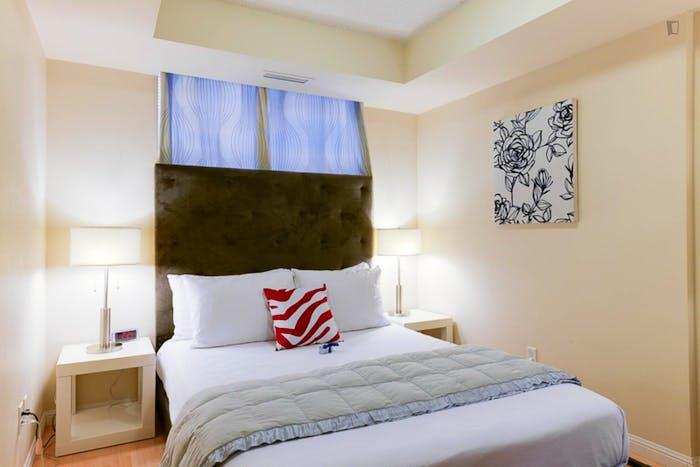 Wonderful 1-bedroom apartment in Toronto near Osgoode subway station  - Gallery -  2
