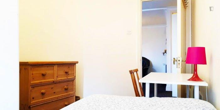 Welcoming bedroom in The Liberties neighbourhood  - Gallery -  2