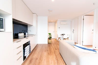 Sunny single-bedroom in a 2-bedroom apartment in a residence in Melbourne, near Melbourne University  - Gallery -  3