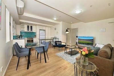 Stylish 2-bedroom apartment near RMIT University  - Gallery -  2