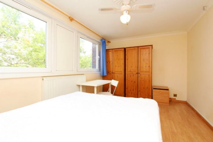 Welcoming double bedroom near the Mile End tube  - Gallery -  4