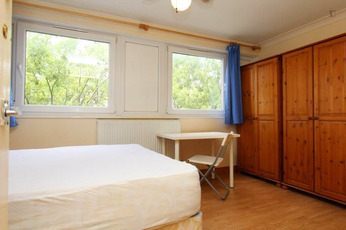 Welcoming double bedroom near the Mile End tube  - Gallery -  1