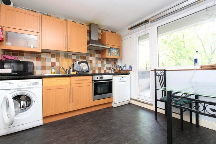 Welcoming double bedroom near the Mile End tube  - Gallery -  7