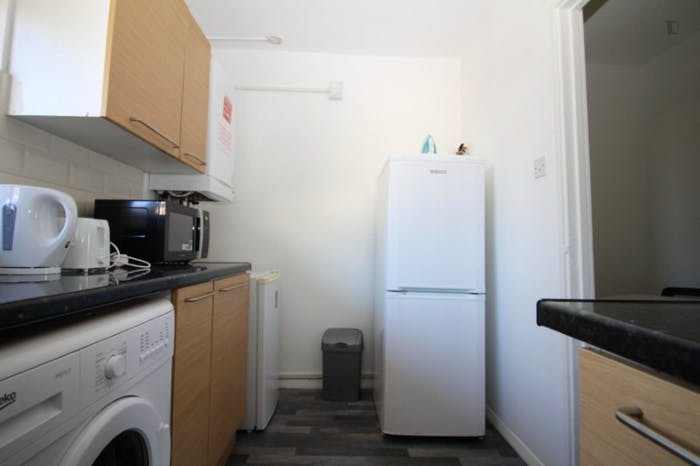 Warm and cosy single bedroom in Mile End  - Gallery -  6