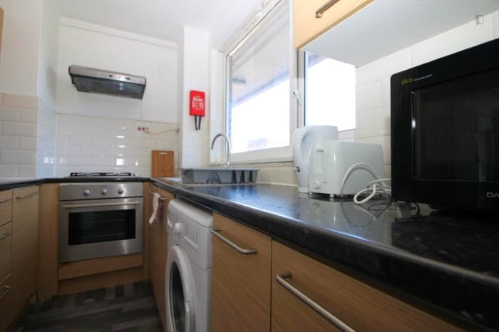 Warm and cosy single bedroom in Mile End  - Gallery -  5