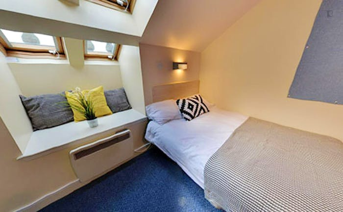 Welcoming double ensuite bedroom, in the centre of Aberdeen  - Gallery -  3
