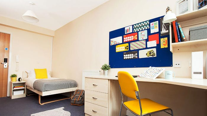 Welcoming studio in a residence, near the Stepney Green tube  - Gallery -  1