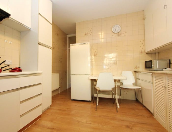 Unique double bedroom in Barnet  - Gallery -  6