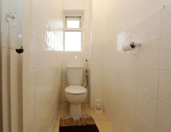 Very nice double bedroom in Canning Town  - Gallery -  8