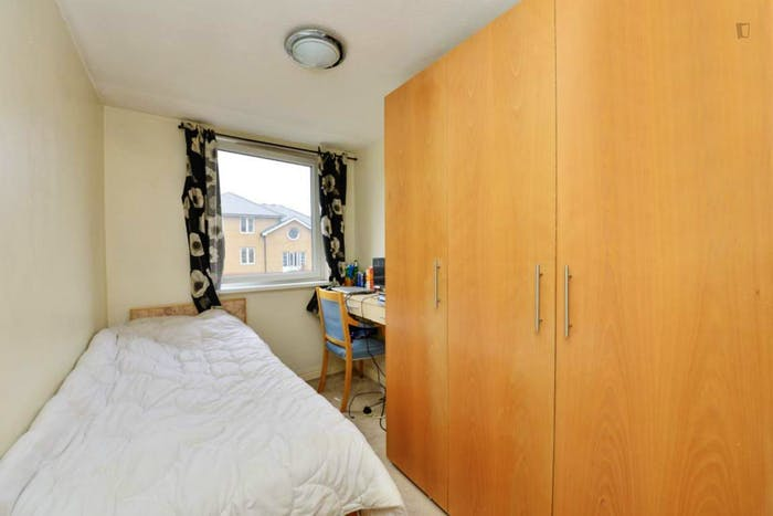 Warm single bedroom near the Shadwell train station  - Gallery -  1