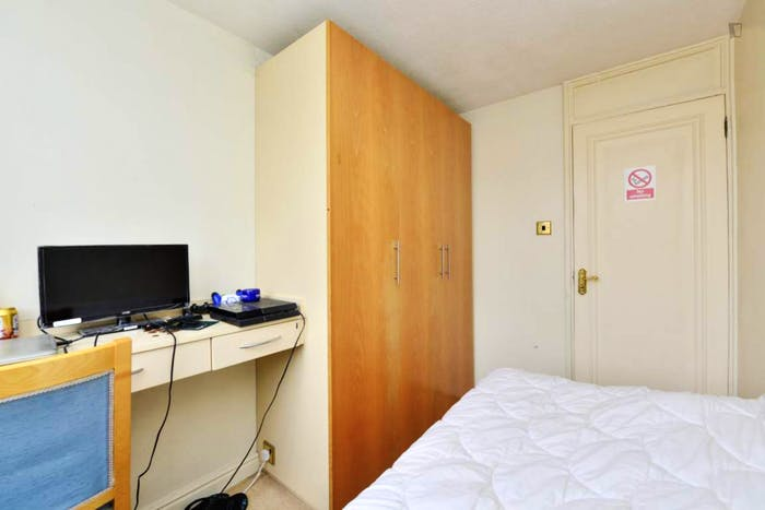 Warm single bedroom near the Shadwell train station  - Gallery -  3