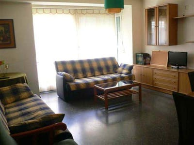 Student-friendly single bedroom, in a 4-bedroom flat in Benimaclet  - Gallery -  2