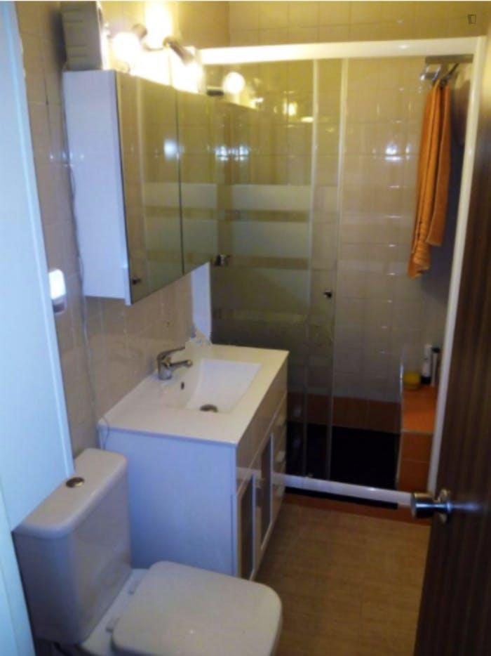 Well-lit single bedroom in Usera  - Gallery -  6