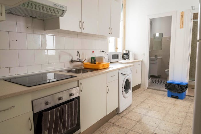 Very neat double bedroom with a balcony, in Argüelles  - Gallery -  9