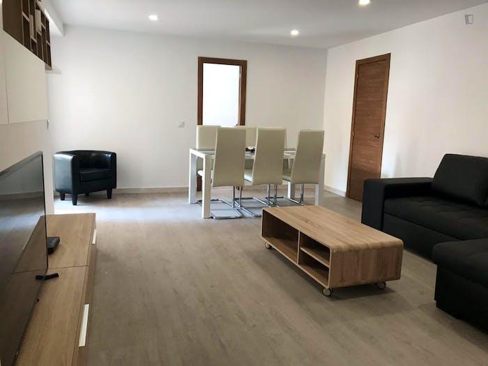 Very neat double bedroom in Benimaclet  - Gallery -  3