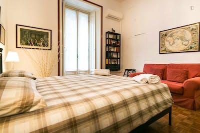 Super elegant 1-bedroom flat in Policlinico  - Gallery -  2