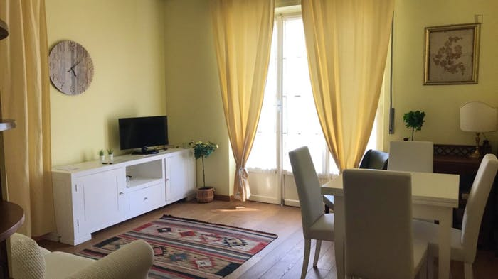Wonderful apartment with balcony close to QT8 Metro station  - Gallery -  3