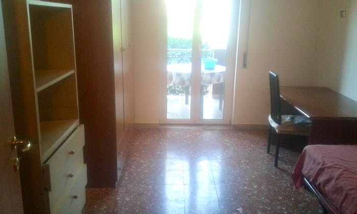 Very neat single bedroom, near Università Cattolica del Sacro Cuore  - Gallery -  1