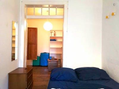 Suite Bedroom in Cais do Sodre/Santos  - Gallery -  1