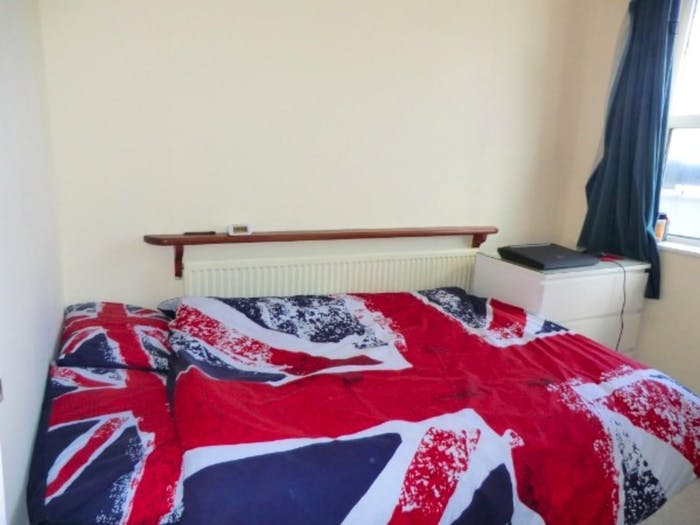 Welcoming double bedroom in residential Limehouse  - Gallery -  5