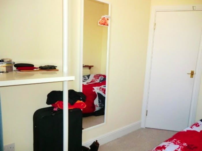 Welcoming double bedroom in residential Limehouse  - Gallery -  3