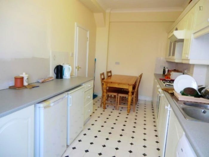 Welcoming double bedroom in residential Limehouse  - Gallery -  7