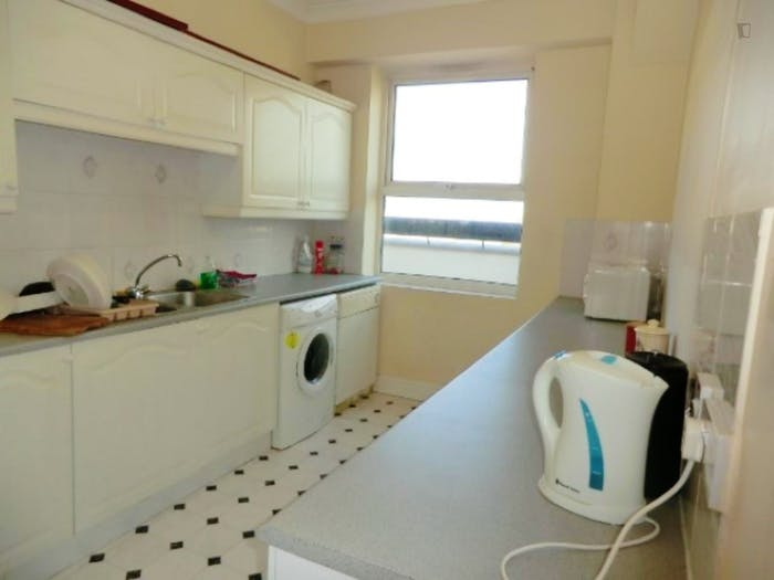 Welcoming double bedroom in residential Limehouse  - Gallery -  6