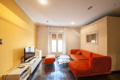 Suitable single bedroom in 3-bedroom flat, near Universidad Politécnica de Madrid - Campus de Montegancedo  - Gallery -  2