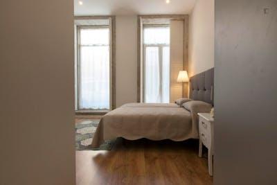 Stylish Twin Bedroom Private Bathroom in Porto 2min Campo 24 de Agosto Metro 1  - Gallery -  2