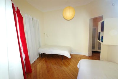 Twin bedroom close to IST  - Gallery -  1