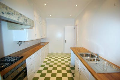 Twin bedroom close to IST  - Gallery -  3