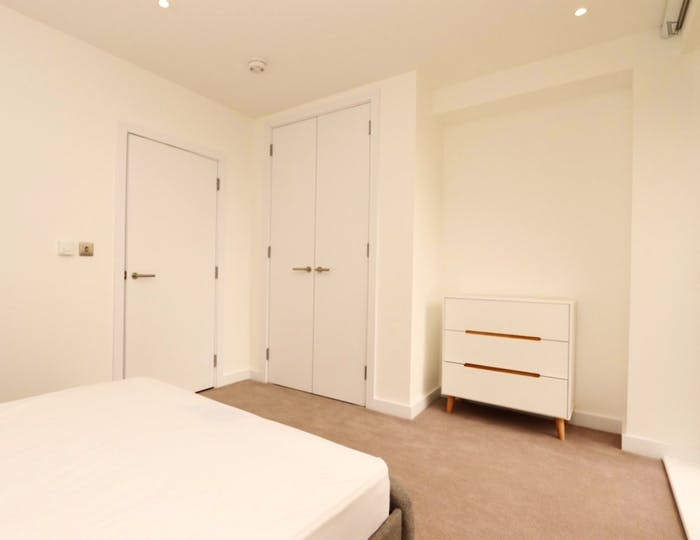 Very nice double bedroom in Rotherhithe  - Gallery -  3