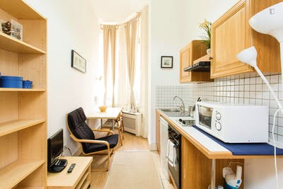 Studio apartment in Kensington  - Gallery -  3