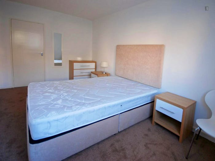 Very nice double bedroom near the South Hampstead train station  - Gallery -  2