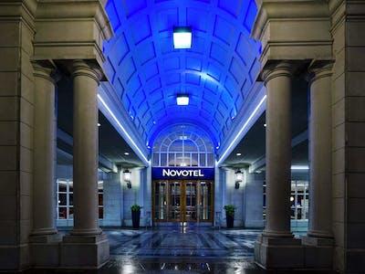 The Novotel Toronto Center Hotel  - Gallery -  2