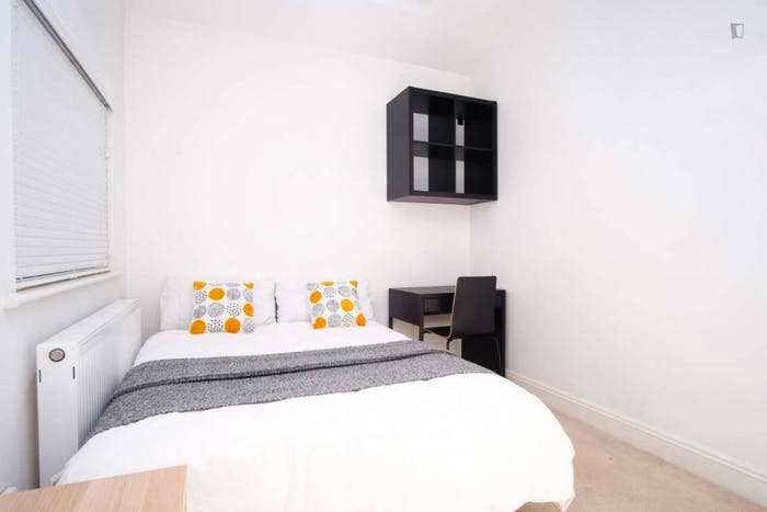 Wonderful double bedroom in Hampstead  - Gallery -  2
