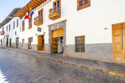 Selina Cusco, Plaza de Armas