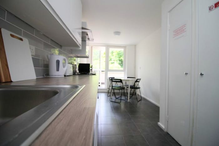 Very nice single bedroom near the Bromley-by-Bow tube  - Gallery -  7
