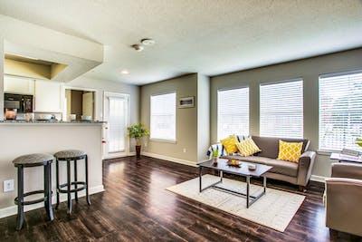 University Oaks, UTSA Student Apartments  - Gallery -  2