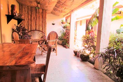Ecofriendly Colonial House - Incl. Gardens + Lounge Areas