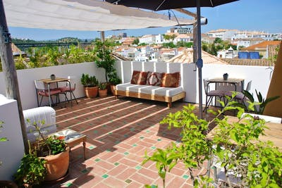 Traditional Sunny House w/ Rooftop Deck  - Gallery -  2