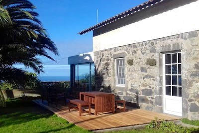Rustic Styled Villa - Incl. Coworking Overlooking The Sea