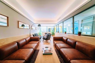 Well Lit Modern Studio  - Incl. Coworking + Rooftop Deck  - Gallery -  1