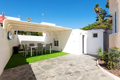 Chilled & Comfortable House - Incl. Coworking + Rooftop Deck