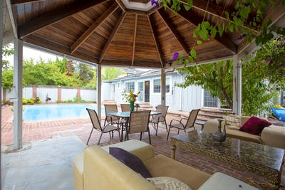 Exclusive House - Incl 3 Coworking Areas + Pool